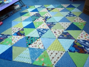 Triangles Boy Pram Quilt (1)