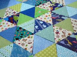 Triangles Boy Pram Quilt (3)